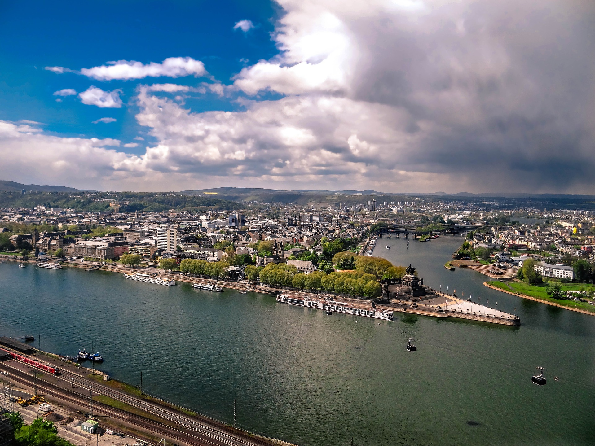 koblenz-from-the-ehrenbreitstein-fortress-2254672_1920